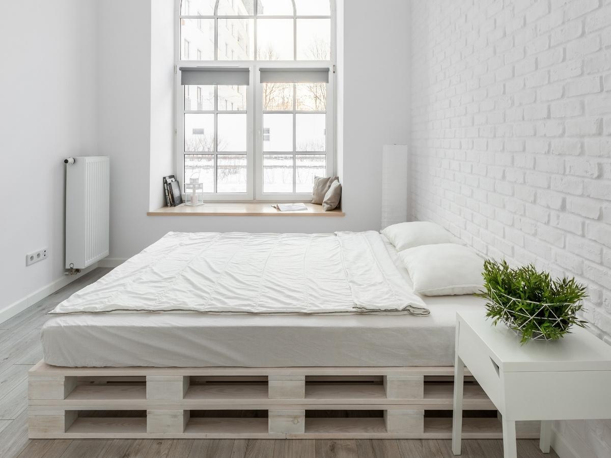 Мебель из поддонов: кровать
